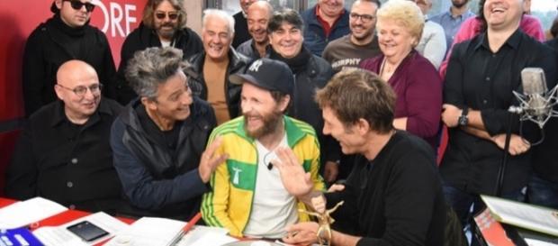 Edicola Fiore ha riaperto i battenti: primo ospite Jovanotti ... - collettivosoleluna.net