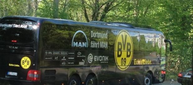 Gegen diesen Bus wurde ein Attentat verübt. [blastingnews archives]