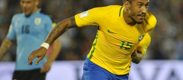 Paulinho pode voltar ao futebol europeu nessa temporada