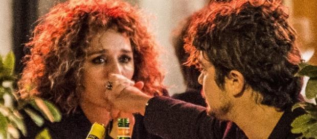 Riccardo Scamarcio e Valeria Golino, baci d'amore - VanityFair.it - vanityfair.it