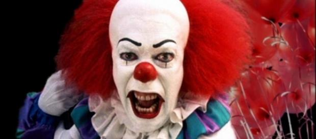 The upcoming movie 'It' caused fierce reactions of the real-life clowns - horrorfreaknews.com