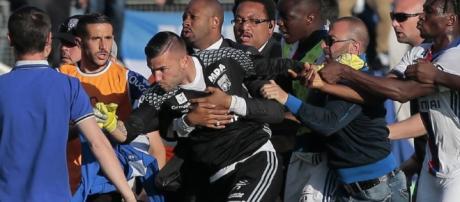 le match Bastia-Lyon arrêté suite aux incidents ...