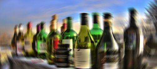 Alcol: tra i giovani spopola il binge drinking