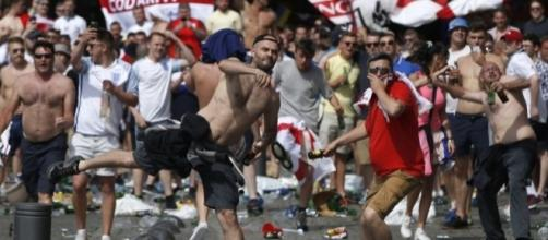 Hooligans rusos contaban con servicios médicos por si se ... - lacongeladora.com
