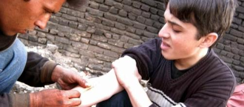 More and more children becoming addicted to drugs in Iran. (Photo: dengiazadi.blogspot.com)