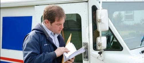 Postal Service will notify you about your mail before you receive it - Photo: Blasting News Library - investors.com