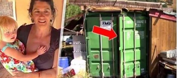 Lulú com sua filha e o container em que vive. Foto: http://eldiariodigital.net