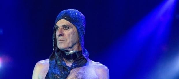 Ney Matogrosso em um show da turnê 'Atento aos Sinais'