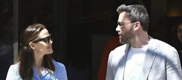 Report: Ben Affleck 'dating someone' as Jennifer Garner divorce ... - wjla.com