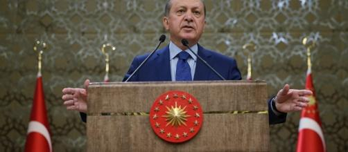 Bowing to Sultan: Erdogan Imposing His Will, Values on 'Pliable ... - sputniknews.com