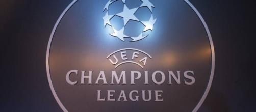 El emblema de Champions League 2016 -2017.