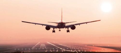 Sospeso traffico aereo tra Cina e Corea del Nord a causa del possibile conflitto con gli U.S.A