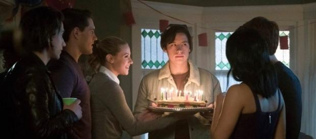 Happy Birthday, Jughead! New Riverdale Photos Show One Seriously ... - eonline.com