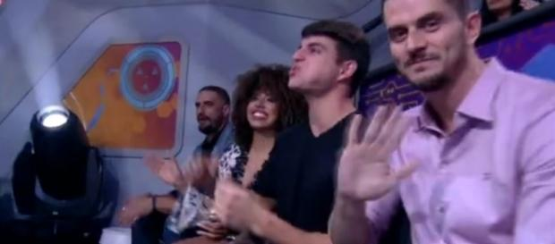 Marcos participou da final, ao vivo, do BBB 17 (Foto: Reprodução/TV Globo)