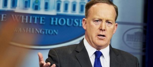 Sean Spicer apologies - Photo: Blasting News Library - nytimes.com