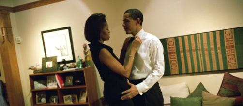 Barack and Michelle Obama vacation fun lost in translation? Photo: Blasting News Library - harpersbazaar.com