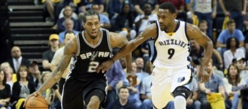 Displaying items by tag: San Antonio Spurs - realsport101.com