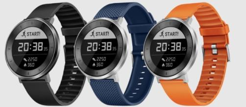 Il nuovo Smartwatch Huawei FIT con display e-ink – AmaTech - amatech.it