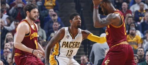 Paul George and LeBron James begin their playoffs battle on Saturday. [Image via Blasting News image library/inquisitr.com]