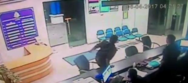 Policiais ficaram apavorados com supostos fantasmas em delegacia (Malaysia Chronicle)
