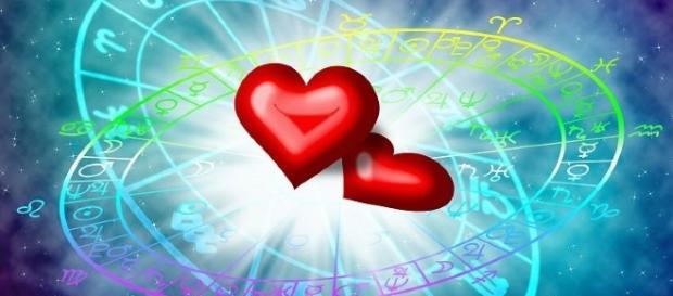 Veja o que seu signo diz sobre amor e o que é necessário modificar para o sucesso do seu relacionamento. (reprodução: web)