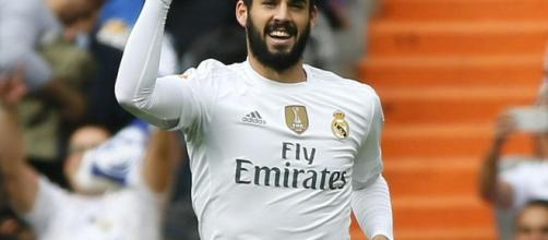 Isco Alarcón firmó un partido brillante en Gijón.