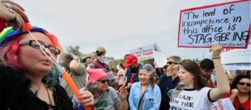 Tax Day demonstrators demand Trump release tax returns | The Salt ... - sltrib.com