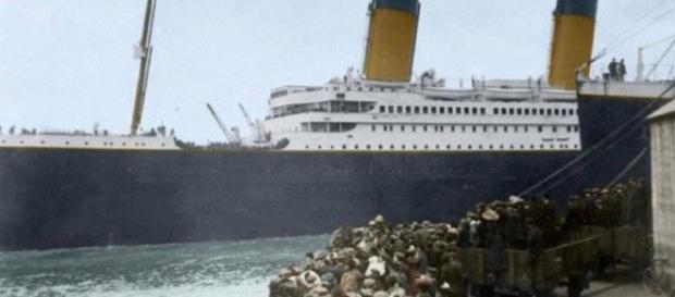 Foto restaurada e colorida digitalmente do navio Titanic (Reprodução/Facebook)