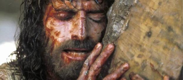 Jim Caviezel nel film 'La Passione di Cristo' (- Fonte: Investire Oggi)