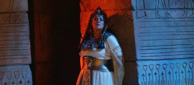 Mezzo-soprano Violeta Urmana as Amneris in Verdi's 'Aïda,' almost titled 'Amneris.' Photo: Ken Howard/Metropolitan Opera, used with permission.