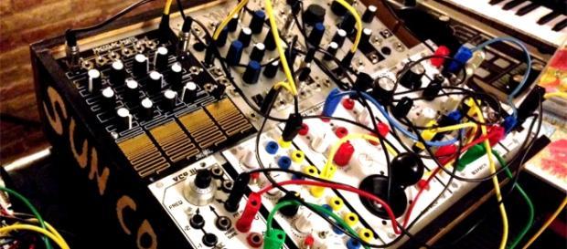 Visitando Knob Shop: el seguro hogar para el sintetizador modular ... - conceptoradio.net