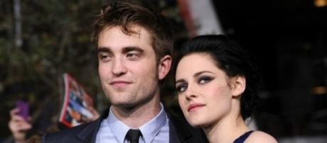 """Is Robert Pattinson ready to move forward and reunite with """"Twilight"""" co-star and ex Kristen Stewart? (via Blasting News library)"""