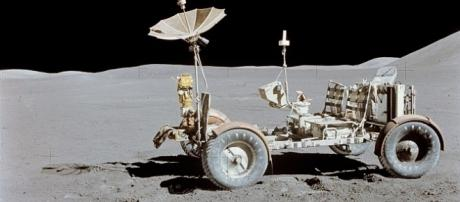 Lunar rover vehicle used in Apollo 15 mission [Image: Wikimedia]