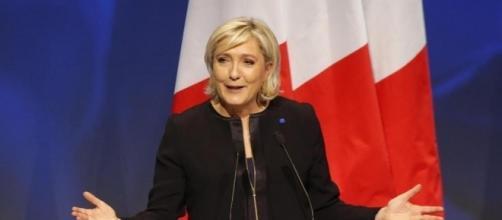 Francia: disordini al comizio per le elezioni tenuto da Marine Le Pen