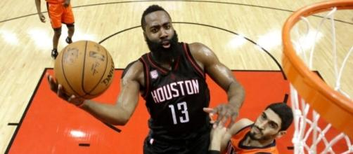 Rockets Team Backs Harden As They Bury Thunder In Game 1 - fanragsports.com