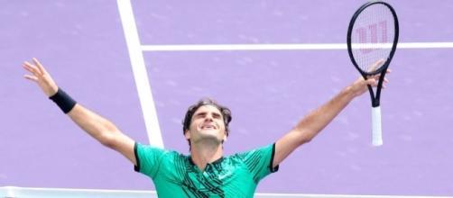 Roger Federer to take break before targeting historic eighth ... - mirror.co.uk