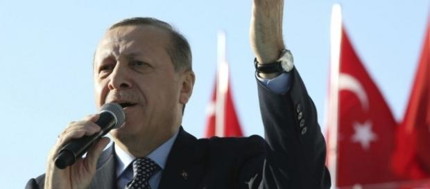 VIDEO) Turchia. Referendum spacca il paese, Erdogan verso vittoria ... - larampa.it