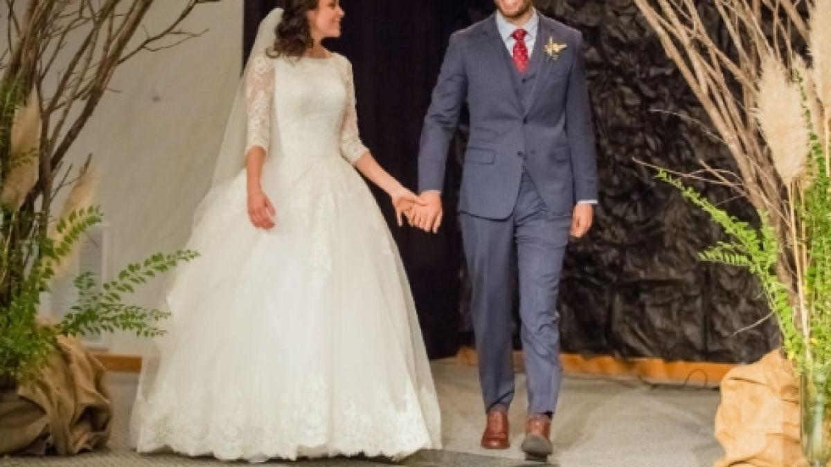 Jinger Duggar Wedding Dress.Two Of Jinger Duggar Vuolo S Brothers Share Behind The Scenes