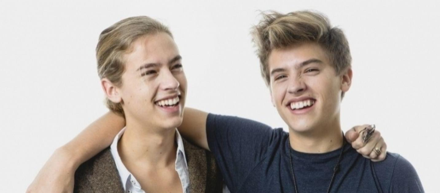 'Riverdale' star Cole Sprouse not close with twin brother ...