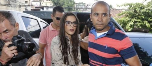Emilly prestou depoimento na delegacia nesta segunda-feira (17) sobre a suposta agressão de Marcos