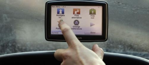 Is it illegal to have a sat nav on your car windscreen? Why you ... - mirror.co.uk