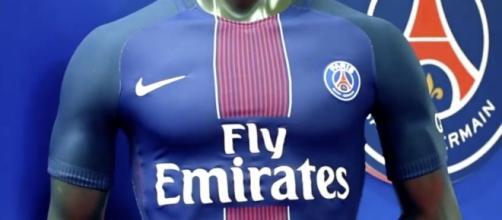 maillot moulant PSG 2017 - Tuxboard - tuxboard.com
