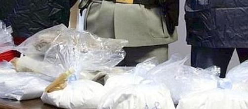 Reggio Calabria: maxi sequestro di cocaina al porto di Livorno