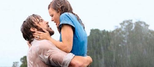"""Ryan Gosling e Rachel McAdams in una scena del film """"Le pagine della nostra vita"""" (Fonte: www.elle.it)"""