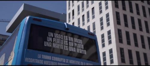 """""""Trama bus"""" la nueva campaña de Podemos"""