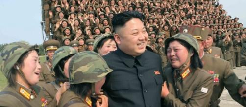 Una nota immagine di propaganda del dittatore nordcoreano, Kim Jong-un
