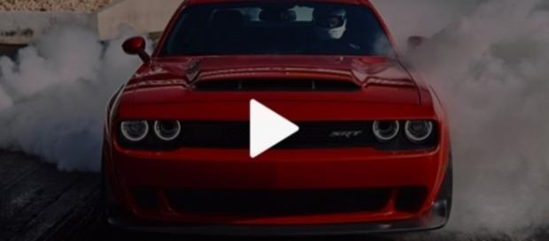 Challenger SRT Demon com ronco extraordinário