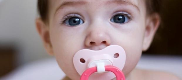 Chupeta eletronica promete revolucionar monitoramento de bebês