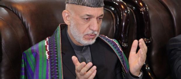 Ex-presidente Hamid Karzai disse que o ataque foi uma imensa atrocidade contra o povo afegão