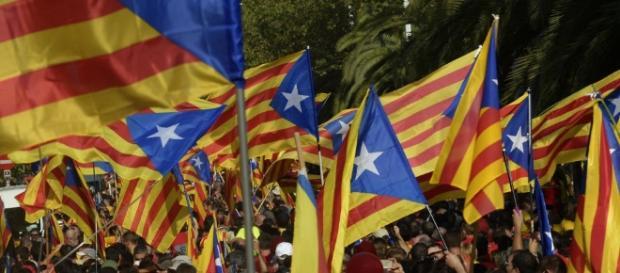 Problemas con un autobús que circula en Barcelona a favor del Referéndum